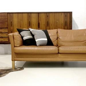 Great Dane Furniture_F4137-VintageSofa-0001