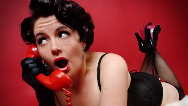 Burlesque_Poppy on the phone_420x349