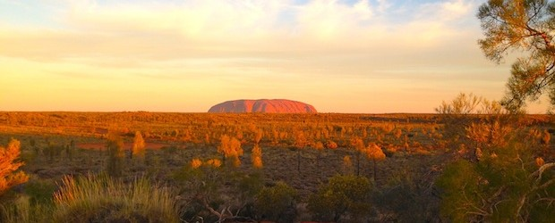 Incredible Uluru : Destination Guide