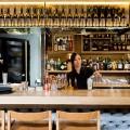 Tokonoma bar